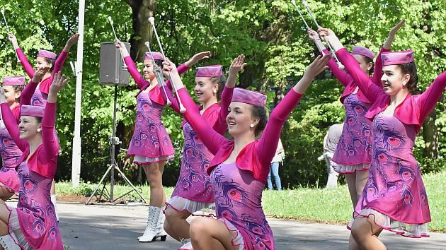 Prvomájový koncert s vystoupením mažoretek se uskutečnil ve středu 1. května v Městském parku Příbor.