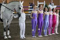 Domácí jezdkyně braly v kategorii skupin junior první místo.
