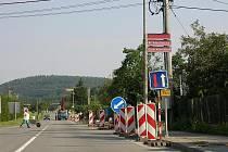 Dlouho očekávaná oprava chodníku na Opavské ulici ve Fulneku byla zahájena. Město na rekonstrukci získalo peníze z dotačního programu Moravskoslezského kraje.