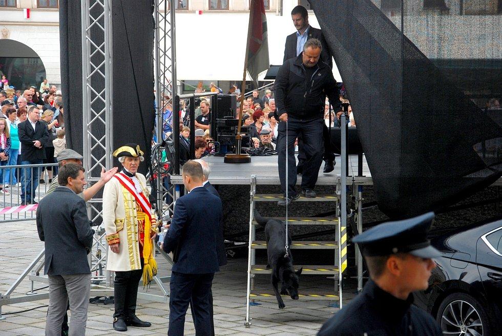 Ve středu 6. září 2017 přijel v rámci své páté oficiální návštěvy Moravskoslezského kraje prezident Miloš Zeman také do Nového Jičína.