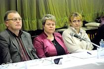 Starostka Helena Šimíčková (uprostřed),po její pravici místostarosta Milan Honeš.