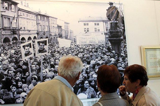 Výstava v Muzeu Frenštát pod Radhoštěm věnovaná Jiřímu Raškovi.