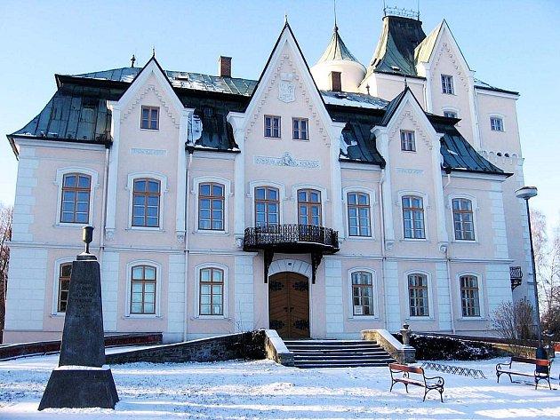 Barokní zámek ve Studénce.