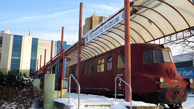 Objekt bývalé tatrovácké slévárny, kde vznikne nové muzeum automobilů a prosklené depo pro Slovenskou strelu.