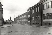 Historická fotografie dnešní ulice U Grassmanky.