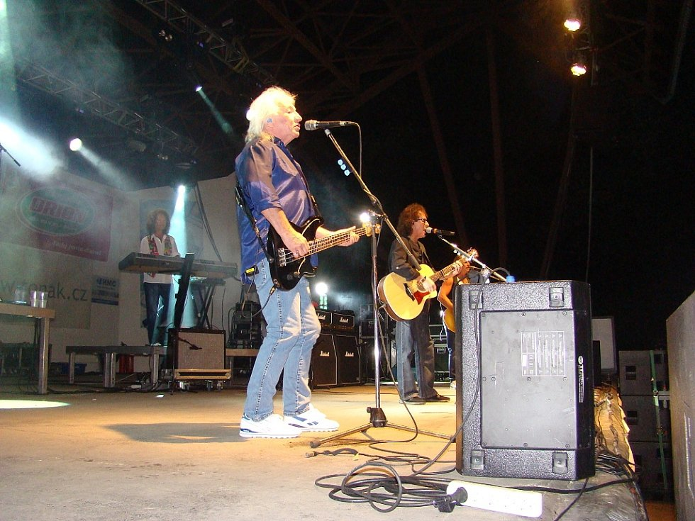 Čtvrtý ročník Legend nabídnul opravdovou legendu, a to skupinu Smokie. Jako host se předvedla další rocková pecka skupina Argema.