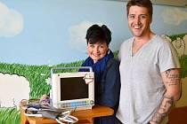 Manželům Loskotovým se v minulém roce podařilo získat peníze na zakoupení tří monitorů životních funkcí pro ostravské oddělení dětské hematoonkologie.