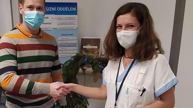 Personál transfuzního oddělení novojičíské nemocnice popřál dárcům krásné vánoční svátky.
