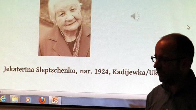 Unikátní projekt je nyní k vidění v Návštěvnickém centru Katovny v Odrách. Jmenuje se Ztráta paměti? a připomíná místa, kde byly tábory nucených prací.