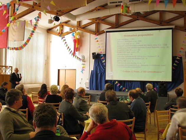 Semináře se zúčastnili úředníci měst a obcí.