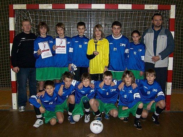 Žáci TJ EPO Frenštát pod Radhoštěm vyhráli první ročník halového turnaje O pohár FC Kopřivnice 2007.