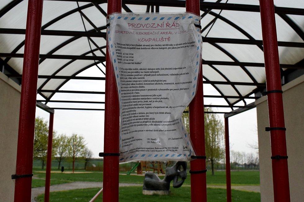 Přírodní koupací biotop by měl nahradit již roky nefungující koupaliště ve Studénce.