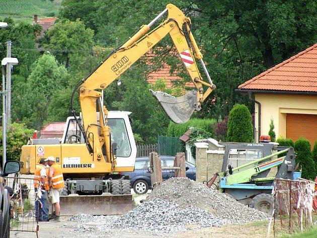 Budování kanalizace přináší obyvatelům Žiliny jistá omezení.