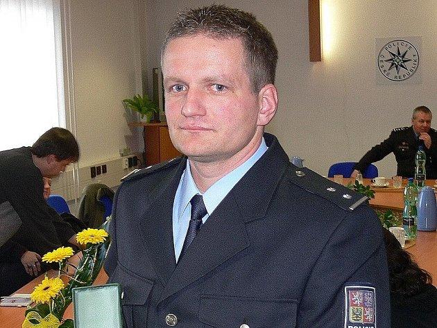 Polcista Jiří Špaldoň dostal ocenění za záchranu lidského života při červnových povodních.