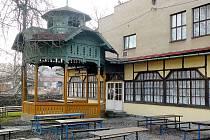 LOKALITA známá v Bílovci jako Střelnice bude zřejmě ošetřena dopravním značením Obytná zóna.