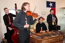 Svědectvím toho, že kus historie českého národa zavály historické události až do amerického Texasu, je výstava, která začala v sobotu 15. září.