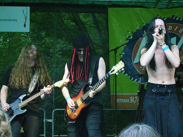 Na druhém ročníku festivalu Red Fest vystoupí v Letním kině v Novém Jičíně tuto sobotu mimo jiné také kapela Greedy Invalid.