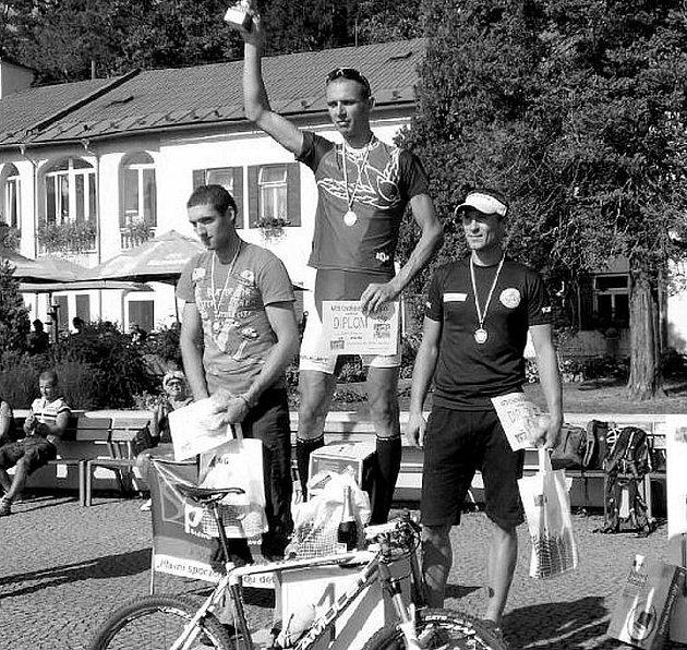 Absolutním vítězem a vítězem kategorie mužů K5 se stal Nikola Ivanov z Ostravy. Druhý byl Ondřej Soukup z Rybí (vlevo) a třetí Ivo Vrba z Přerova.