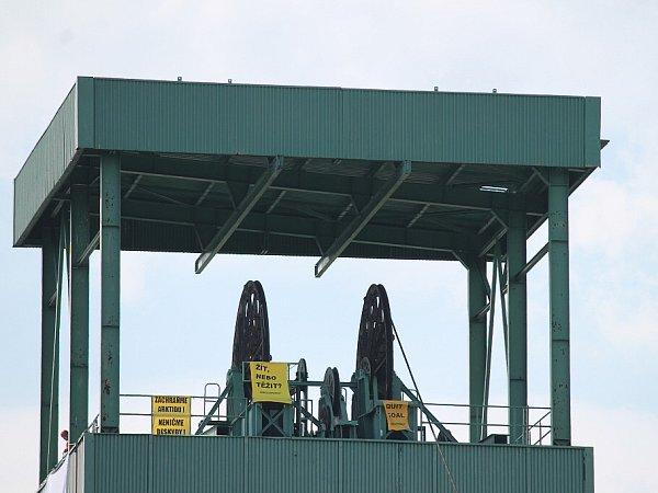 Frenštátské těžní věže obsadili 28.května 2012členové Greenpace.