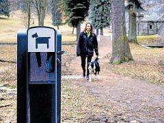Jen za odklízení psích extrementů dá radnice ročně 150 tisíc korun.