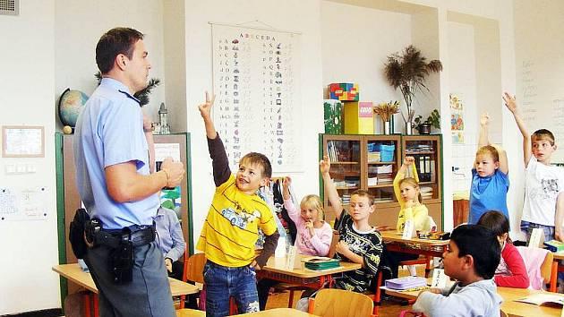 Žáci příborské školy pracovali ve středu s Ajaxovým zápisníkem.