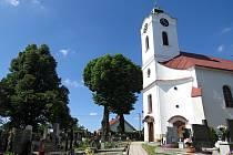 Ve Slatině člověk najde zajímavá místa. Třeba kostel Nanebevzetí Panny Marie.