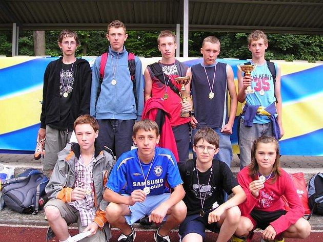 V Poháru Rozhlasu se žáci ZŠ Starý Jičín stali absolutními vítězi mezi venkovskými školami.
