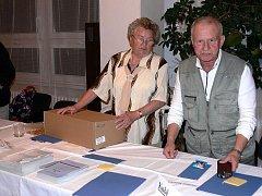 Přesně ve dvaadvacet hodin se volební místnosti uzavřely, tak jako ve Frenštátě pod Radhoštěm.