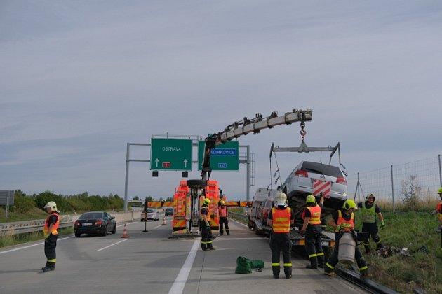 Nehoda a vyprošťování 4polských automobilů na dálnici D1 na Novojičínsku.