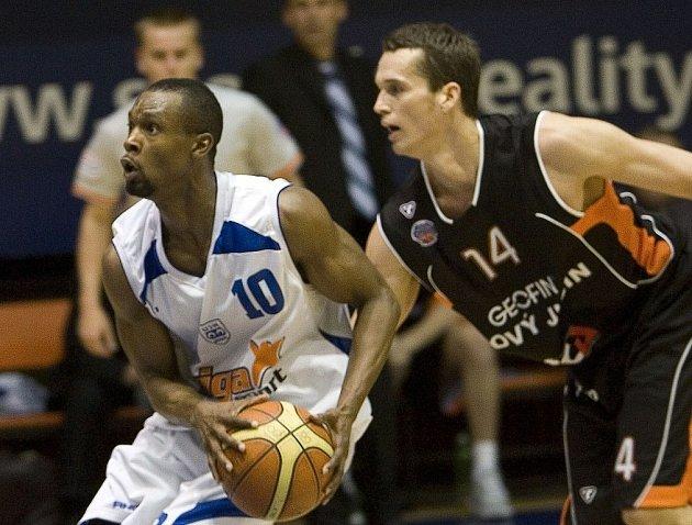 Basketbalisté Nového Jičína zaváhali v Praze na palubovce USK.