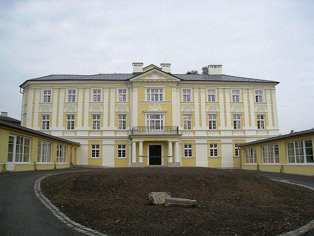 Vila po náročné rekonstrukci v roce 2009 při svém slavnostním znovuotevření jako Dětský domov Loreta.
