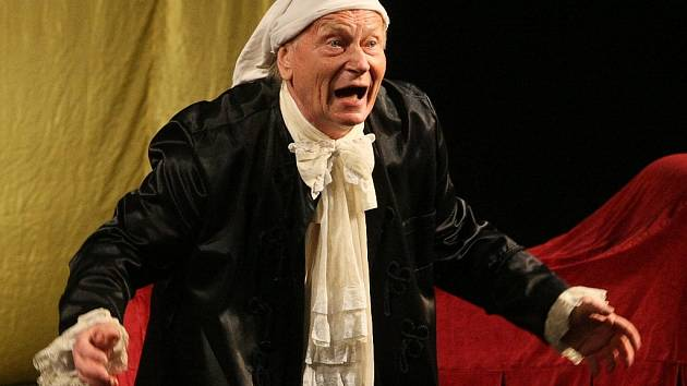 Začátek sezony v novojičínském Beskydském divadle bude nezapomenutelným zážitkem. V roli Harpagona se milovníkům prken, jež znamenají svět, se v komedii Chudák Harpagon představí oblíbený Josef Dvořák.