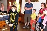 Děti provázejí děti se jemnovala akce která se uskutečnila na zámku Kunín v neděli 29. května.