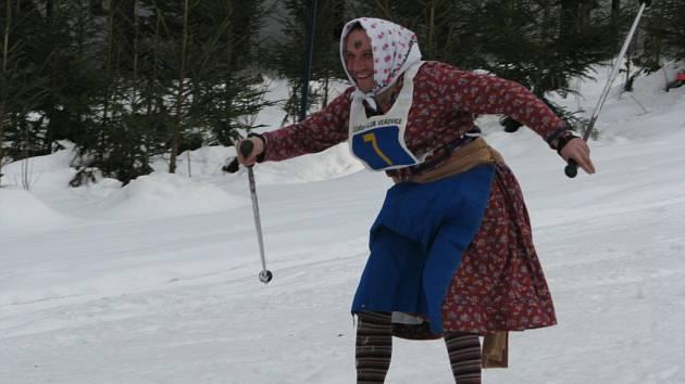 Bohatá sněhová nadílka na veřovických kopcích připravila ideální podmínky pro lyžařský karneval, který uspořádal Lyžařský klub Veřovice.