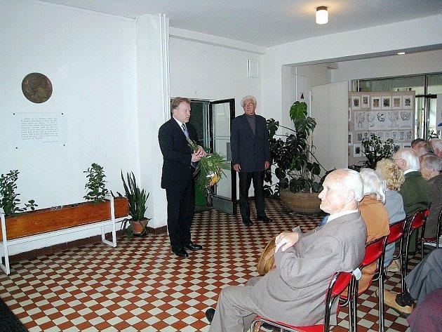 Vestibul Základní školy Milady Horákové v Kopřivnici. Ilustrační foto.