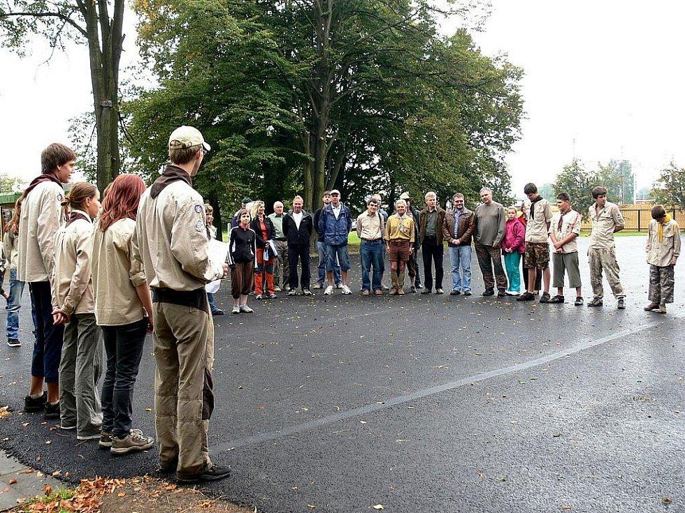 Pětasedmdesát let od založení svého oddílu slavili v sobotu 17. září skauti v Suchdole nad Odrou. Zatímco současní skauti se věnovali hlavně hrám a soutěžím, pamětníci vzpomínali.