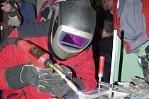 Novou technologii svařování předváděli v pátek ve Studénce.