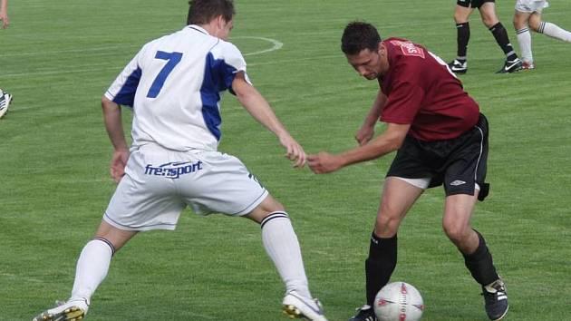 Fotbalový střelec Radim Šudák (vpravo), v dresu Lichnova.