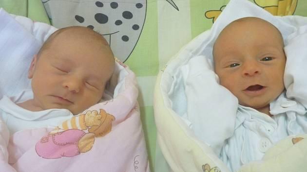 Dvojčátka MICHAELA FAJÁRKOVÁ a ŠTĚPÁN FAJÁREK, Příbor, nar. 16. 1. 2017, Michaela: 45 cm a 2,40 kg, Štěpán: 44 cm a 2,23 kg. Nemocnice Nový Jičín.
