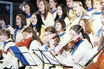 Třídenní Přehlídku zájmové činnosti studentů církevních škol v Odrách zakončil ve čtvrtek čtyřhodinový galavečer.