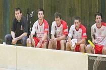 Florbalisté Kopřivnice doma naposledy podlehli Svitavám a s velkou pravděpodobností přišli o play-off. Vlevo trenér Vikingů Marek Jehlár.