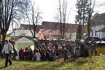 Valentinskou pouť v Příboře navštívily v neděli 17. února stovky lidí.