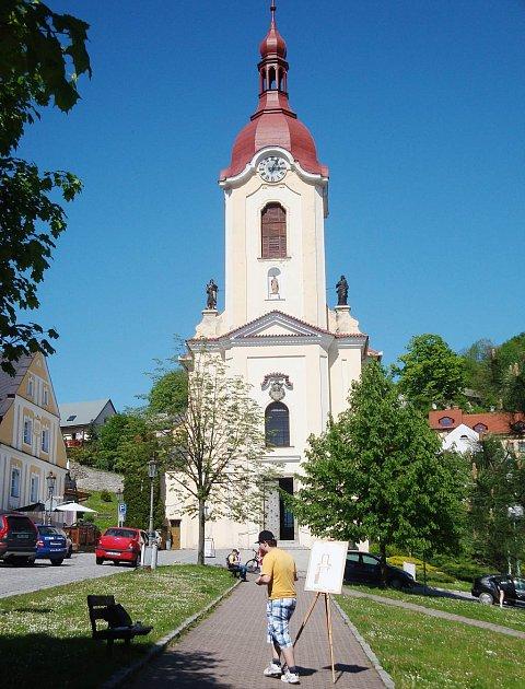 Kostel zasvěcený světci Janu Nepomuckému ve Štramberku najdou návštěvníci a turisté přímo na náměstí tohoto malebného města.