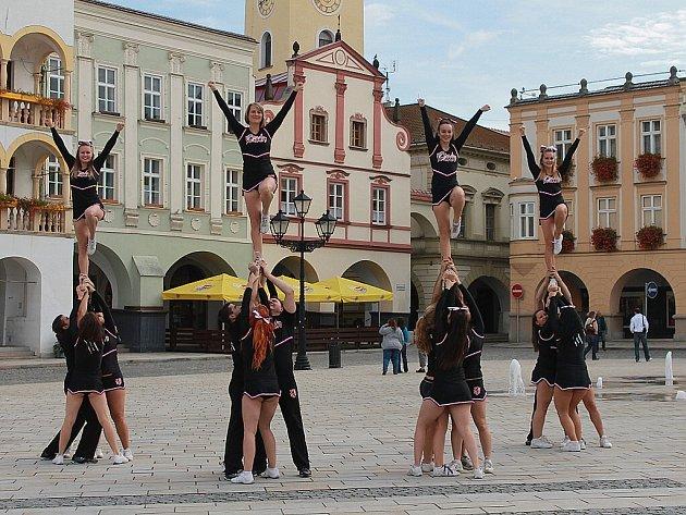 Snímek ze soustředění České asociace cheerleaders v Novém Jičíně.