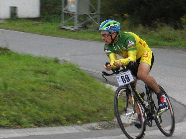 Milan Masný vyhrál na Petrovické časovce kategorii mužů od 50 do 59 let.