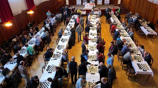 Sobotní novoroční turnaj v rapid šachu v Bílovci si nenechalo ujít 142 hráčů různých věkových skupin.