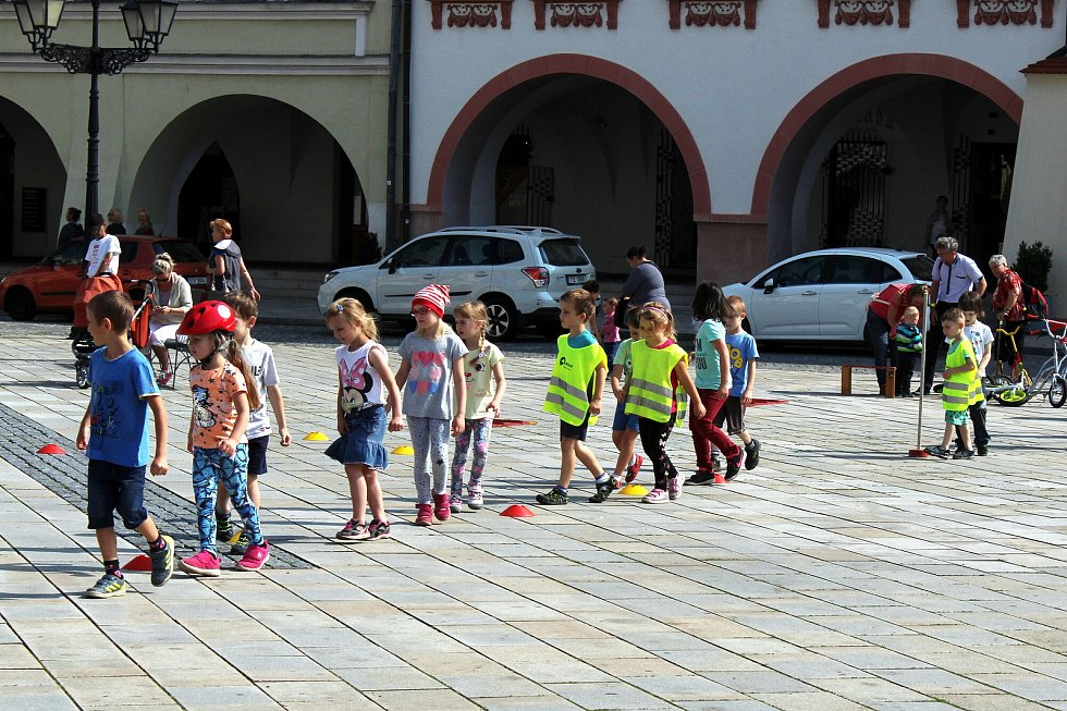 Den bez úrazu 2018 se uskutečnil ve středu 6. června dopoledne na Masarykově náměstí v Novém Jičíně.
