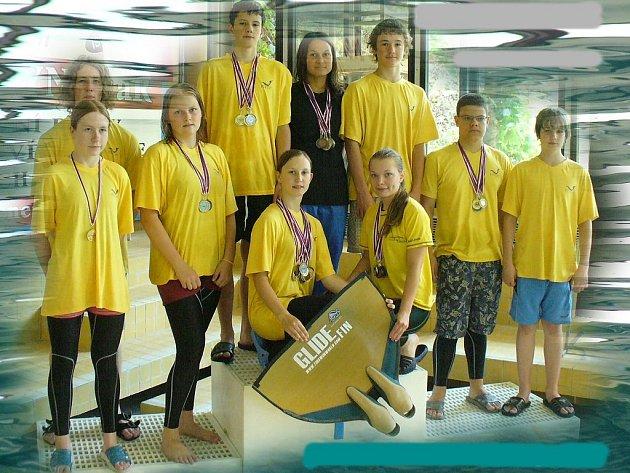 Vrchol sezony ploutvového plavání, kterým bylo Mistrovství České republiky, vyšel ploutvařům Klubu vodních sportů Laguna Nový Jičín na výbornou. Desetičlenná výprava si ze zlínského bazénu dovezla rekordních 47 mistrovských medailí.