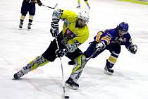 Play-off krajské hokejové ligy mužů zahájí derby Studénka vs. Kopřivnice.