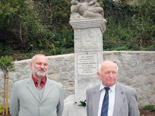 Pomník padlým se po letech dočkal opravy.